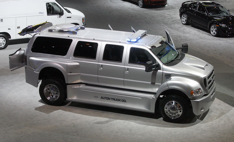 Ford_F650_Limo.2